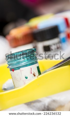 Paint Containers