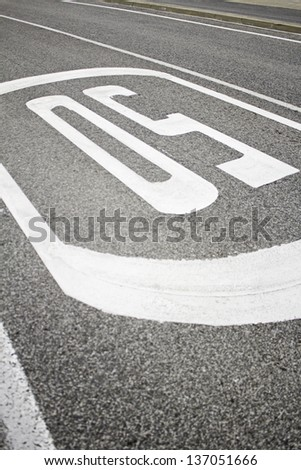 Painted speed limit on road traffic regulations