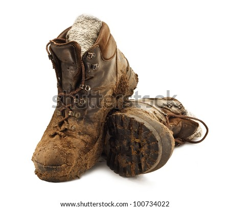 how to clean muddy hoking shoes