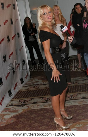 """Pamela Anderson at the DVD Release of """"Baywatch"""" Seasons One and Two. Casa Del Mar, Santa Monica, CA. 10-30-06 - stock photo"""