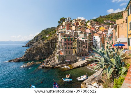 Panoramic view of ocean and harbor in colorful village Vernazza, Cinque Terre, Italy
