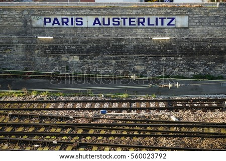 Paris left bank stock images royalty free images for Train tours paris austerlitz
