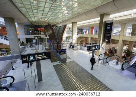 PARIS - SEPTEMBER 10: Charles de Gaulle Airport interior on September 10, 2014 in Paris, France. Paris Charles de Gaulle Airport, is one of the world's principal aviation centres - stock photo