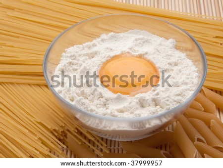 pasta and pasta indigrients : egg and flour