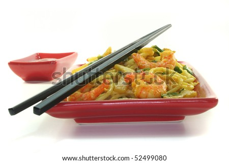 Pasta with Asia-shrimp in Asian dishes