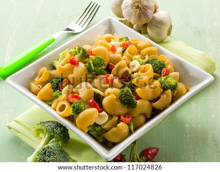 pasta with broccoli garlic and hot chili pepper