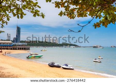 PATTAYA, THAILAND - MAY 2 : Jet ski and Speedboat wait for tourists to take a tour of Pattaya Bay during the holiday season on May 2, 2015 near the Lambaleehai harbor, Pattaya, Thailand - stock photo