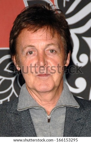 Paul McCartney At PAUL McCARTNEY New Concert DVD Classical CD Autograph Signing Virgin Megastore