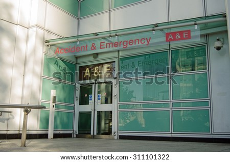 Pedestrian entrance to the Accident and Emergency Unit at University College Hospital as viewed from the pavement on the Euston Road.   - stock photo