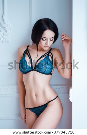 Sexy bellies of young girls — img 10