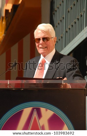 Peter Graves at the Hollywood Walk of Fame induction ceremony for Peter Graves, Hollywood, CA. 10-30-09