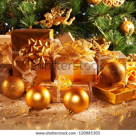 Photo Luxury Gift Boxes Under Christmas Stock Photo
