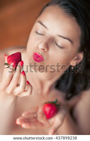 Strawberry Redhead Adult