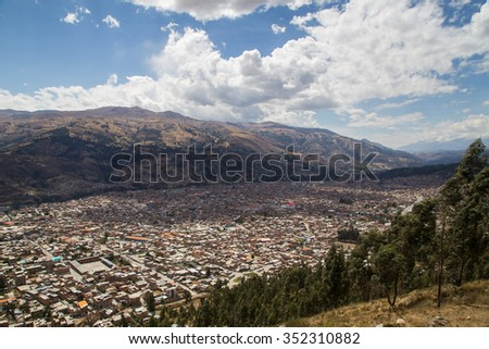 Photograph of the city Huaraz in Peru from the viewpoint Rataquenua.