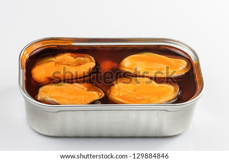 picture of a can of mussels on white background