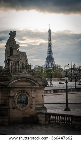 Picture of the Eiffel tower from the Place de la Concorde in Paris, France