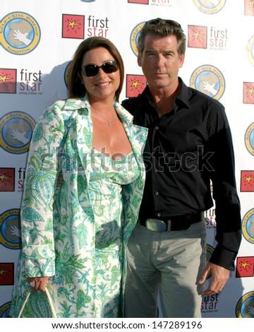 Pierce Brosnan & Keely Shaye Smith First Star's Celebration for Children's Rights Benefit Barker Hanger Santa Monica, CA June 3, 2006 - stock photo