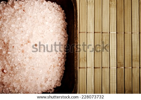 pink Himalayan salt in a bowl