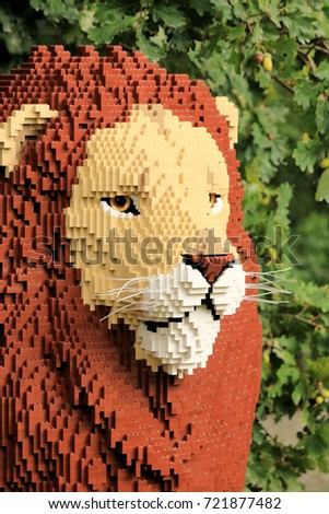 Planckendael zoo, Mechelen, Belgium – september 10 th  2017 : Lion built from lego bricks, 'Nature Connects' exhibition at Planckendael zoo.