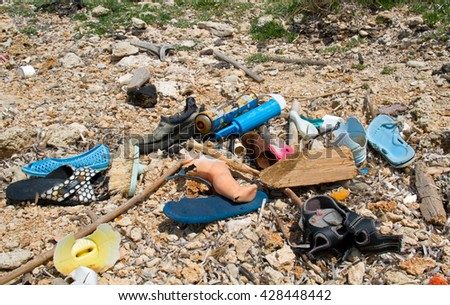 Plastic soup washed ashore: slippers, the leg of a doll, bottles and other garbage washed ashore
