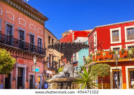 Plaza Del Baratillo, Baratillo Square, Fountain, colorful buildings, Guanajuato, Mexico