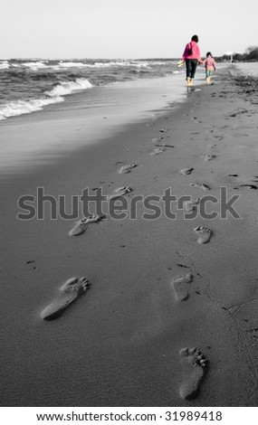 Polish coast and mom and daughter girl walk - Footprint - black and white