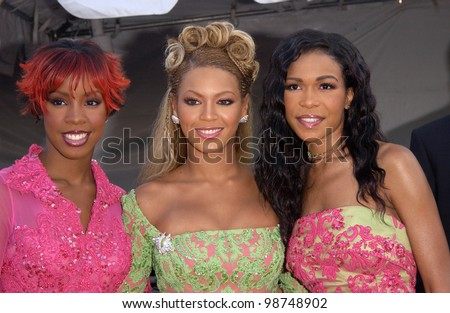 Pop group DESTINY'S CHILD at the 7th Annual Soul Train Lady of Soul Awards in Santa Monica, California. 28AUG2001.   Paul Smith/Featureflash