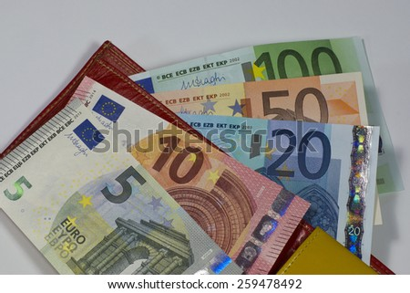 Portemonnaie with euro notes