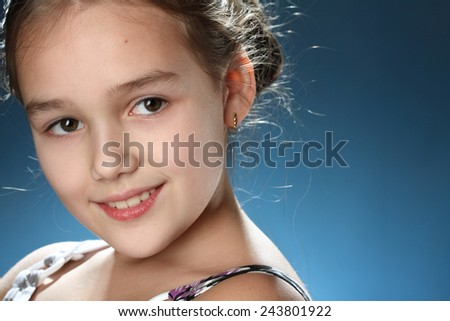 portrait of a young girl. emotsiyi.modna beautiful hairstyle. gorgeous, long hair