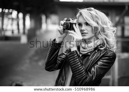 Portrait of women traveler photography hipster lifestyle with camera