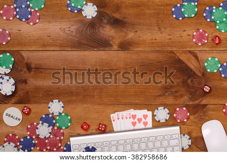 Post blog social media poker. View from above with copy space. Banner template layout mockup for online casino. Wooden brown table, top view on workplace. Banner for online casinos and gambling - stock photo