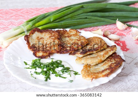 Potato flapjacks with sour cream and leek