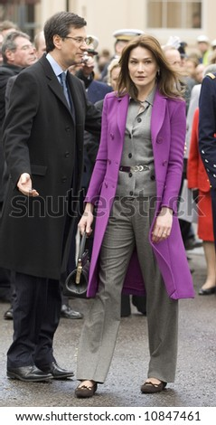 President Nicolas Sarkozy of France and his wife Carla Bruni-Sarkozy attend the laying of a wreath at the Statue Of Charles De Gaulle on March 27, 2008 in London, England.