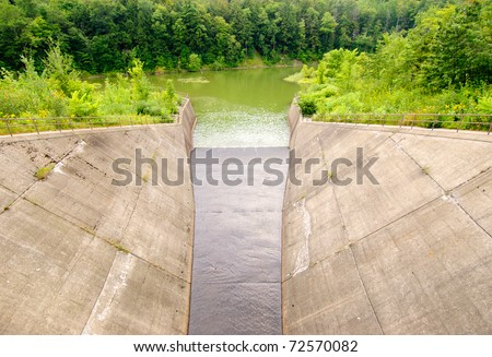Quaker Lake spillway dam - stock photo