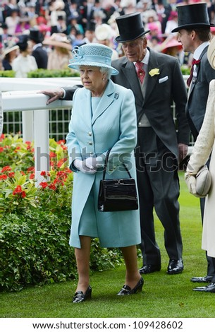 Queen Elizabeth II attends day 1 of the annual Royal Ascot horse racing event. Ascot, UK. October 19, 2012, Rome, Italy Picture: Catchlight Media / Featureflash - stock photo