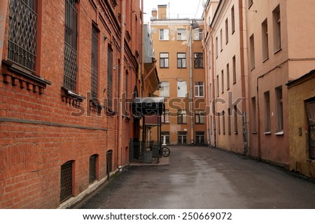 Quiet streets of St. Petersburg