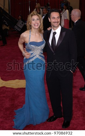 RAOUL BOVA & JO CHAMPA at the 77th Annual Academy Awards at the Kodak Theatre, Hollywood, CA February 27, 2005; Los Angeles, CA.  Paul Smith / Featureflash