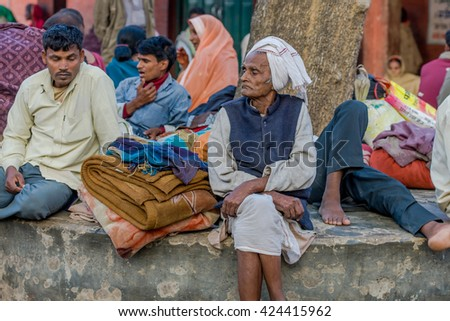 RAXAUL, INDIA - NOV 11: Unidentified Indian people in a local hospital on Nov 11, 2013 in Raxaul, Bihar, India. Bihar is one of the poorest states in India. The per capita income is about 300 dollars.