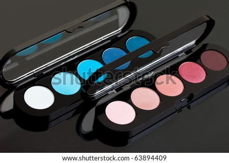 red and blue make-up eyeshadows
