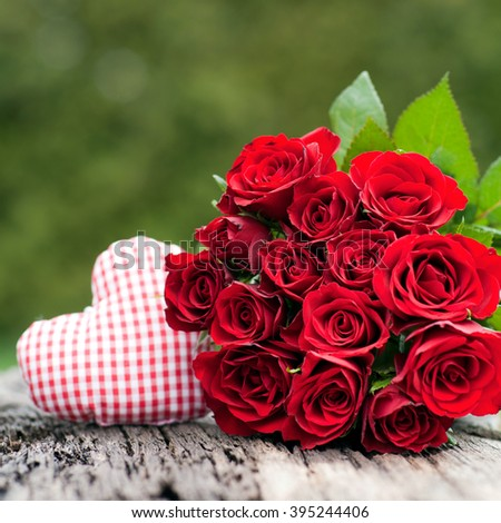 Red roses, heart