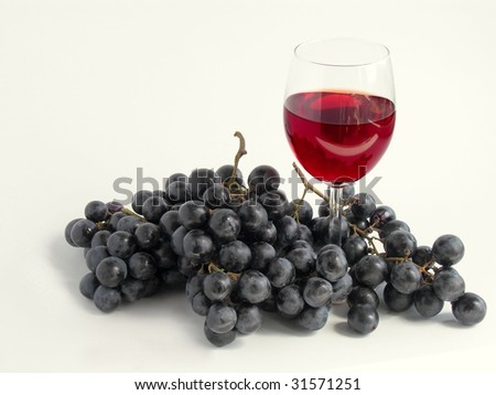 red wine and black grapes