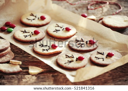Reindeer cake Christmas treat for kids on a wooden table