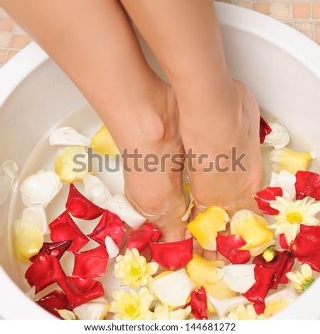 relaxing bath with flowers - beauty treatment