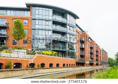 Residential building on the Oxford Canal. Oxford, England - stock photo