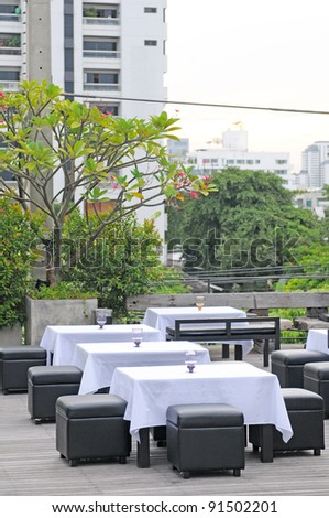 restaurant outdoors table
