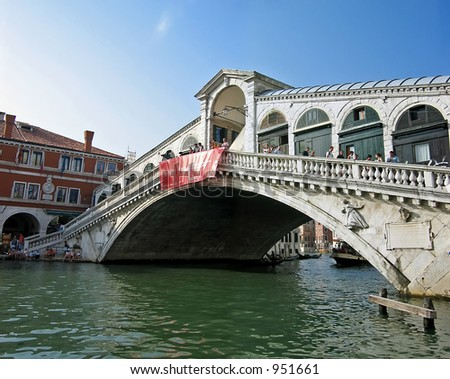 Rialto bridge at Venice, Italy