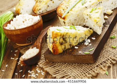 Rice pie with cottage cheese and spring onion