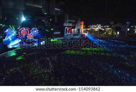 RIO DE JANEIRO, BRAZIL - SEPTEMBER 13: general view of the concert area while DJ David Guetta performs during the  Rock in Rio 2013 concert on September 13, 2013 in Rio de Janeiro, Brazil.