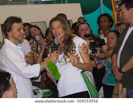 RIO DE JANEIRO - JUNE 04: Top Model Gisele Bundchen speaking to the microphone after having received a Certificate Number One. Event Green Nation Fest, June 04, 2012 in Rio de Janeiro, Brazil