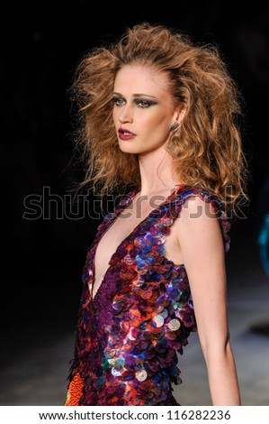 RIO DE JANEIRO, RJ /BRAZIL - JUNE 08: Fashion model wears clothes made by Carlos Tufvesson on FASHION WEEK, show on june 08, 2009 in Rio de Janeiro.